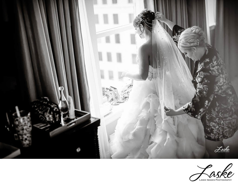 Bride Getting Ready at Skirvin Hotel Photographers in OKC