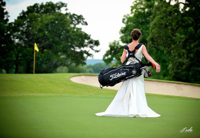 Bride Carries Her Golf Bag on the Course During Bridals