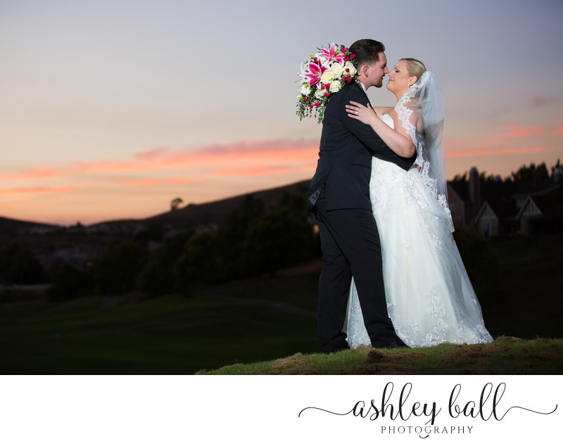 Classic Sunset Pictures of the Bride and Groom