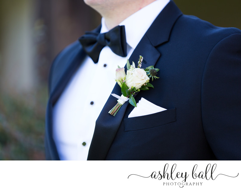 Classic Pictures of the Groom's Boutonniere