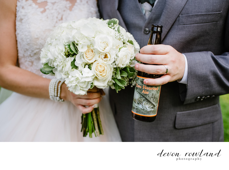 Elkridge Furnace Inn Pics: Bride and Groom Bouquets