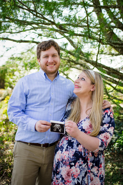 Anxious parents-to-be for Virginia maternity session