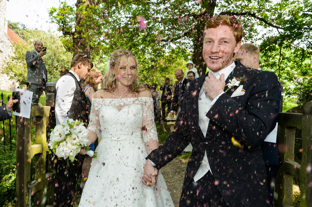 Confetti Wedding Photographer