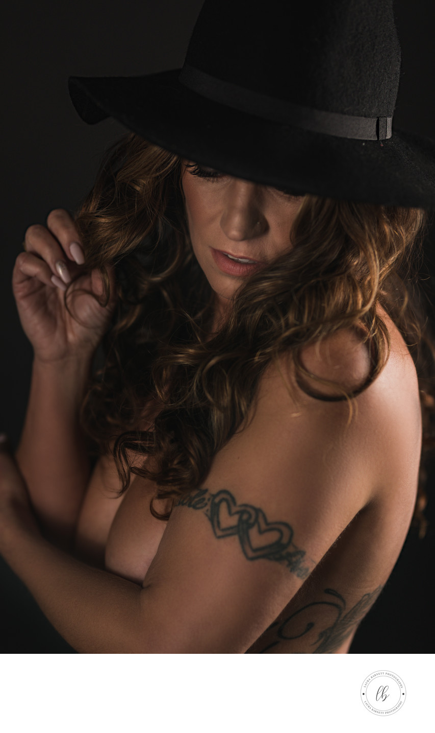 Las Vegas Photographer portrait boudoir black hat