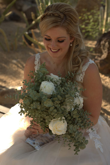 Las Vegas Wedding - Bride with bouquet