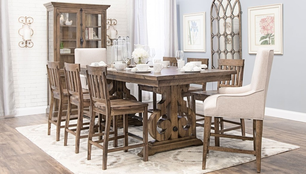 Professional photography of dining room furniture.