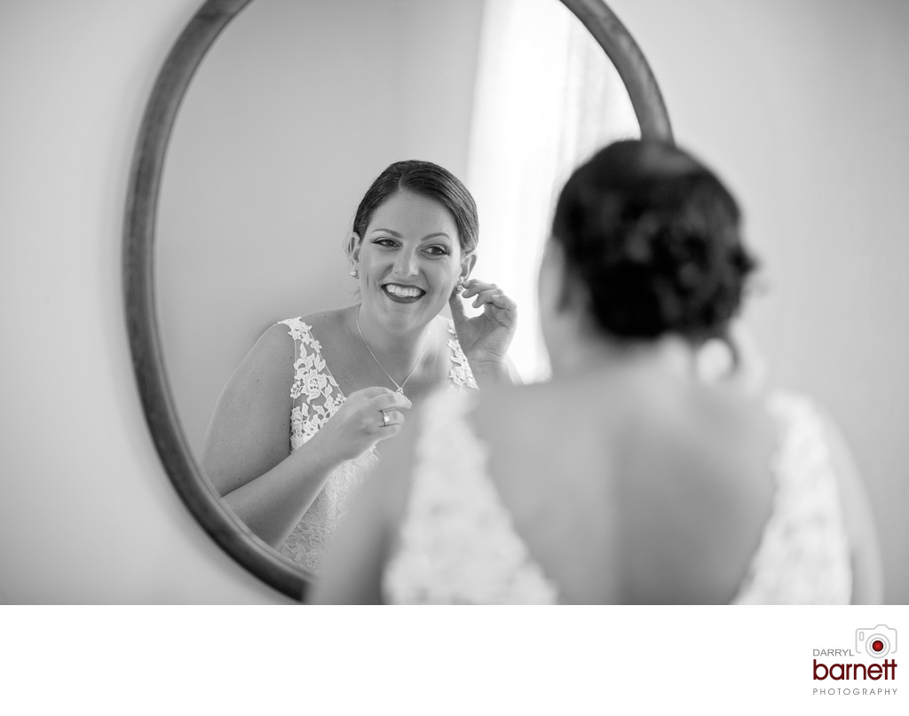 Cape May NJ Bride getting Ready
