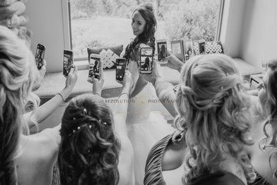 Bride gets ready Gold Coast Style