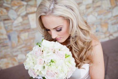Phoenix Wedding Photographer - Bride & Wedding Bouquet