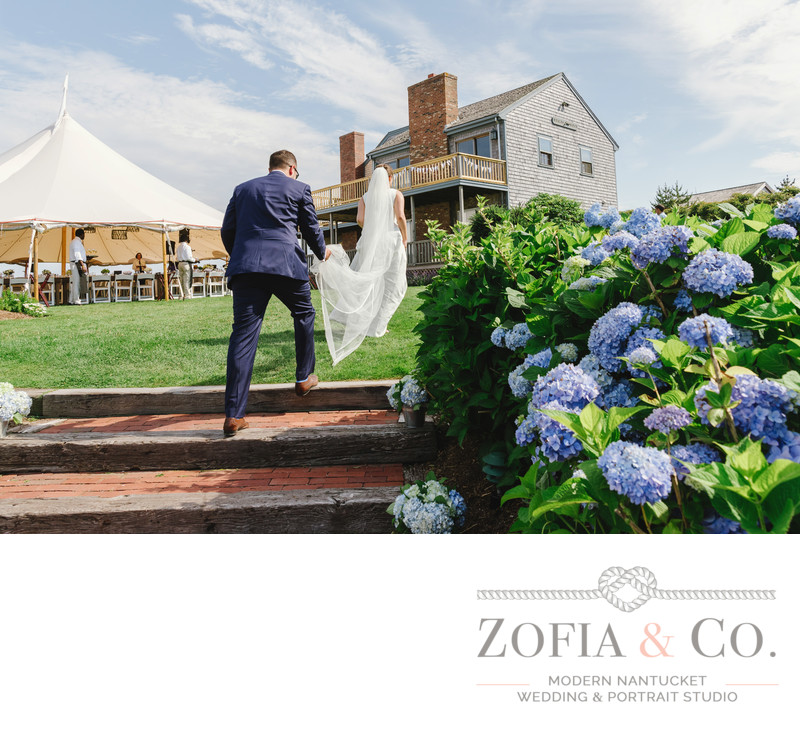 bride groom tom nevers nantucket blue hydrangeas