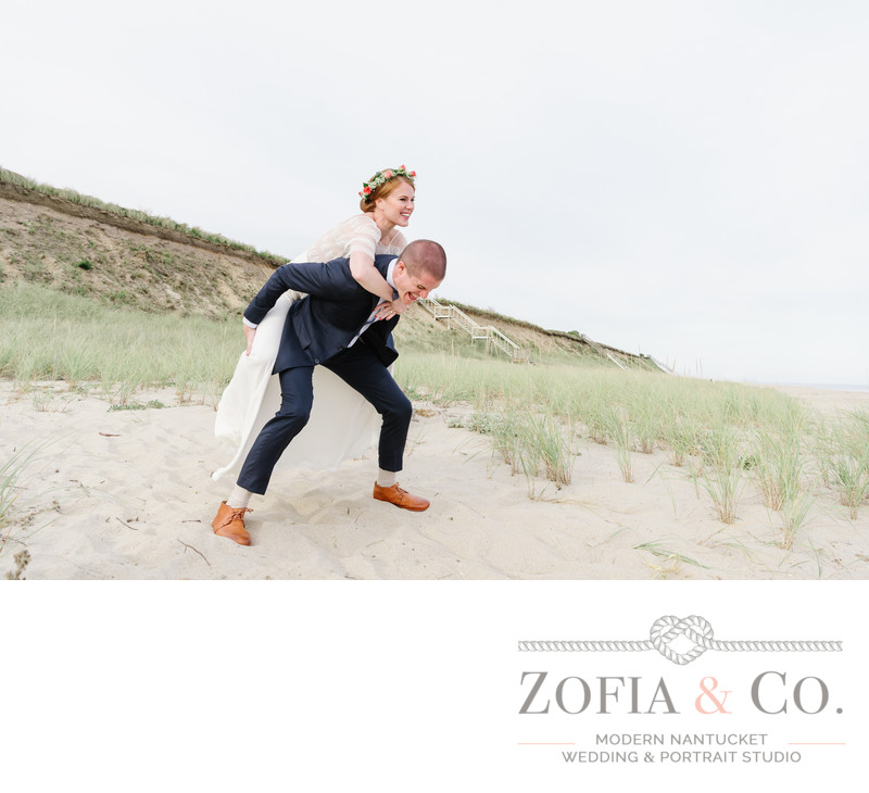 casual wedding couple photography on nantucket beach