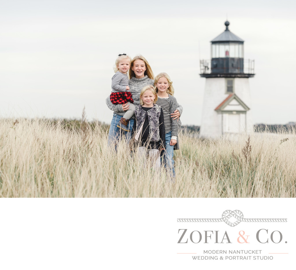 fall family photographer nantucket lighthouse