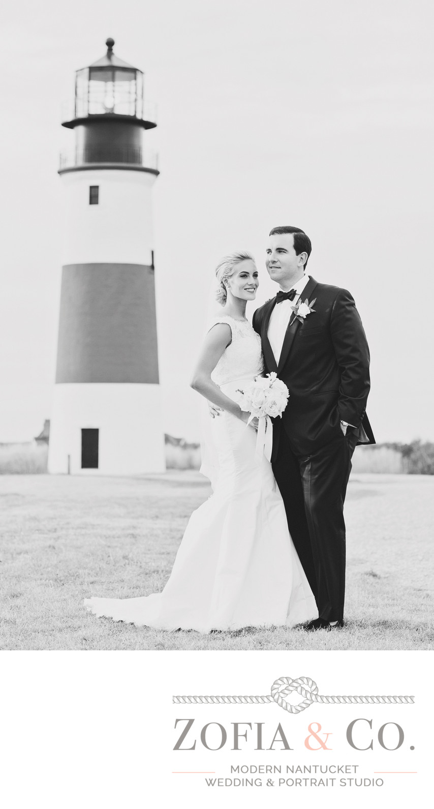 stunning nantucket wedding couple sankaty lighthouse