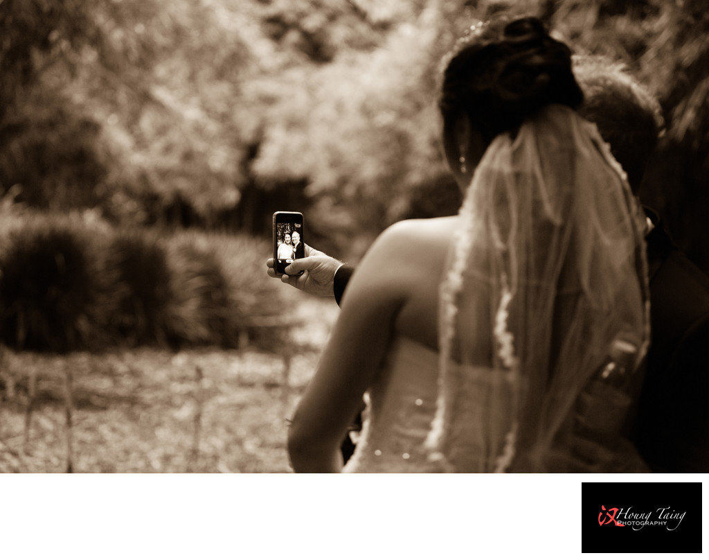 Melbourne Photography: Wedding Couple Selfie