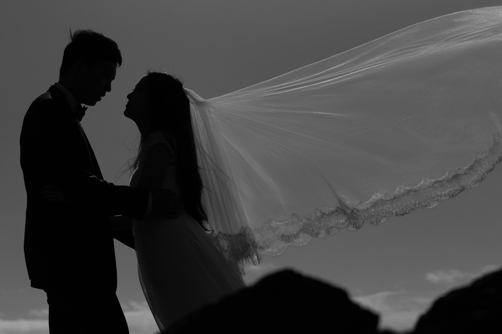 Melbourne Pre-Wedding Photography: silhouette