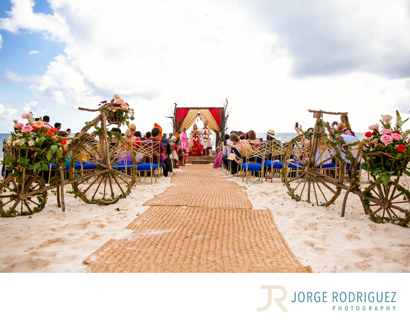 Indian-Wedding-in-Mexico-Cost-Photography