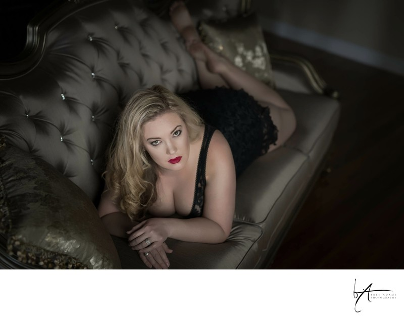 Plus size boudoir photography in Arlington