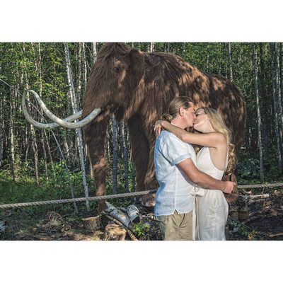 Engagement at Jurassic Forest - Mammoth First Kiss