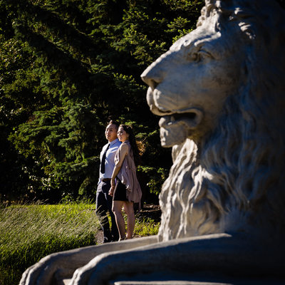 Engagement Photos Lion Statue