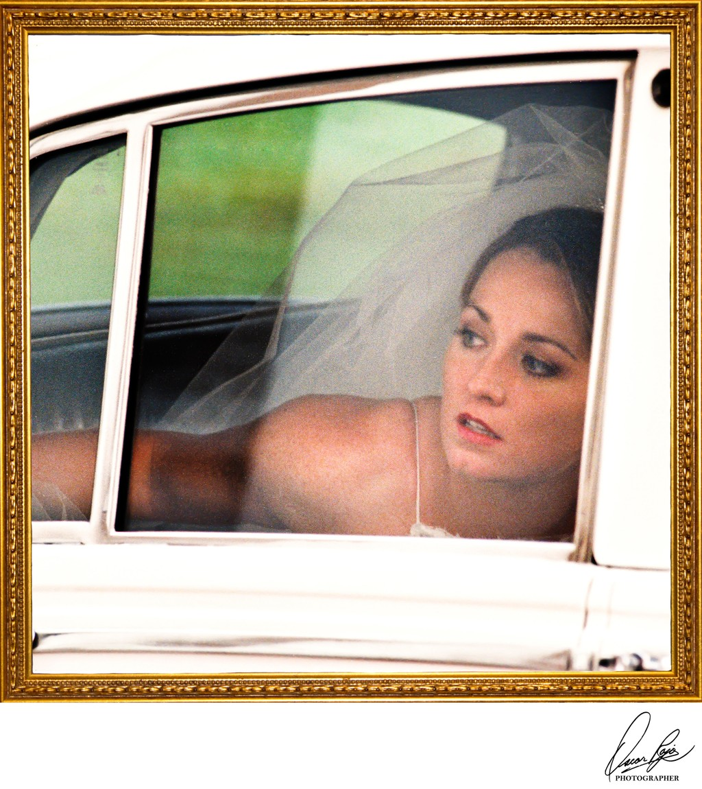 Bride, limousine, New Orleans wedding photographer