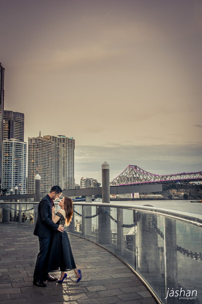 Brisbane Engagement Photography location-Eagle St Pier-2