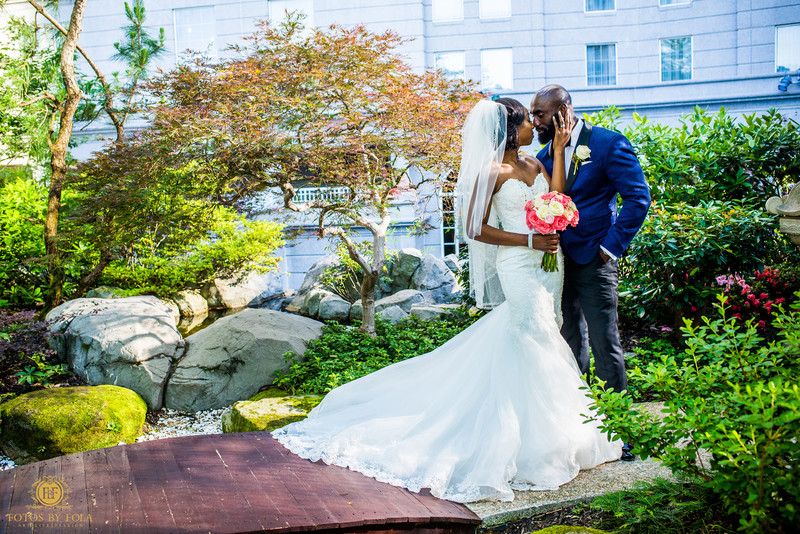Grand Hyatt Atlanta Buckhead Wedding Photographer couple