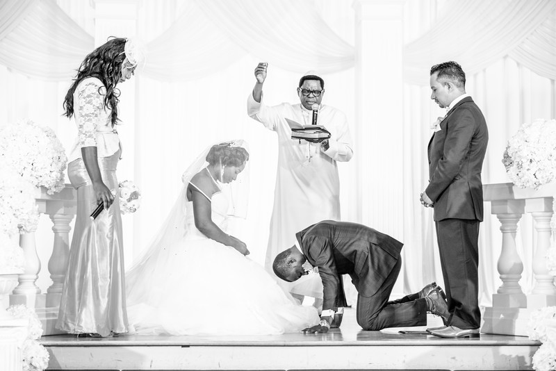 KTN Ballroom Wedding Atlanta Wedding Photographer prayer