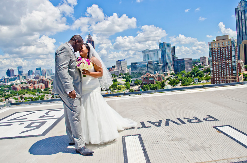 Ventanas Atlanta Wedding Photographer Couple skyliine