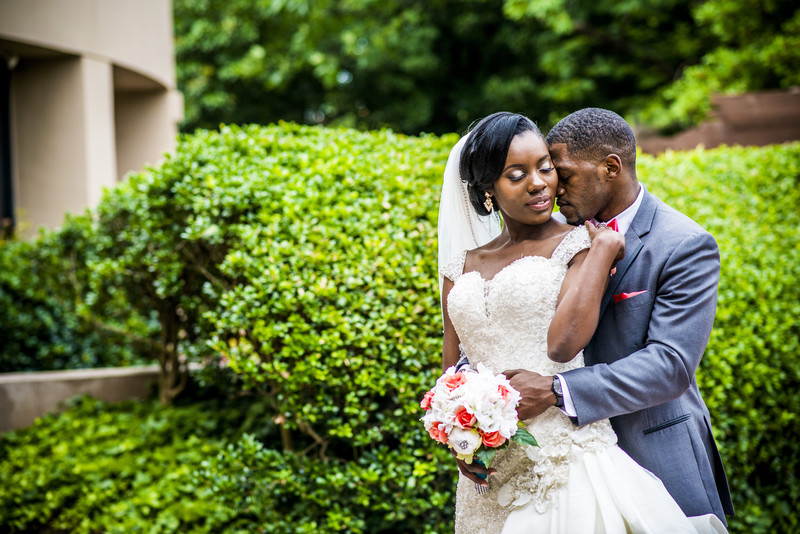 Sonesta Gwinnett Place Atlanta Hotel Wedding bride groom