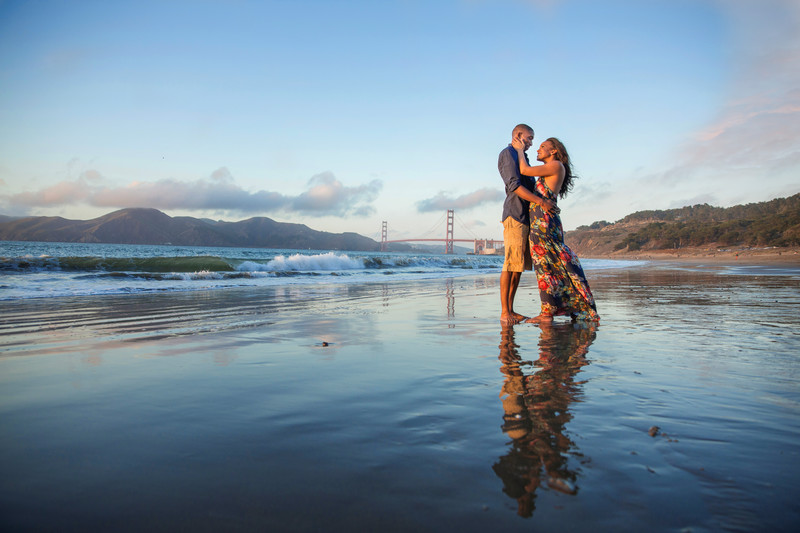 San Francisco Baker Beach Engagement session Golden Gate Bridge