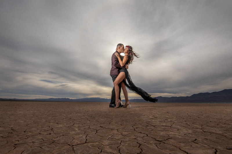Dry Lake Bed Las Vegas Engagement Session Wppi