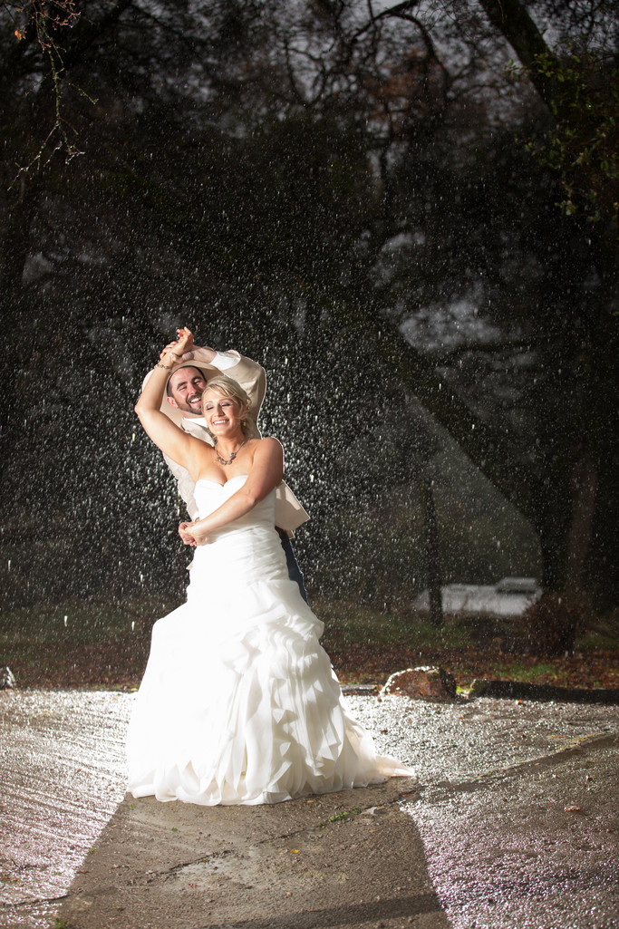 Rainy Wedding photos Union Hill Inn Sonora California