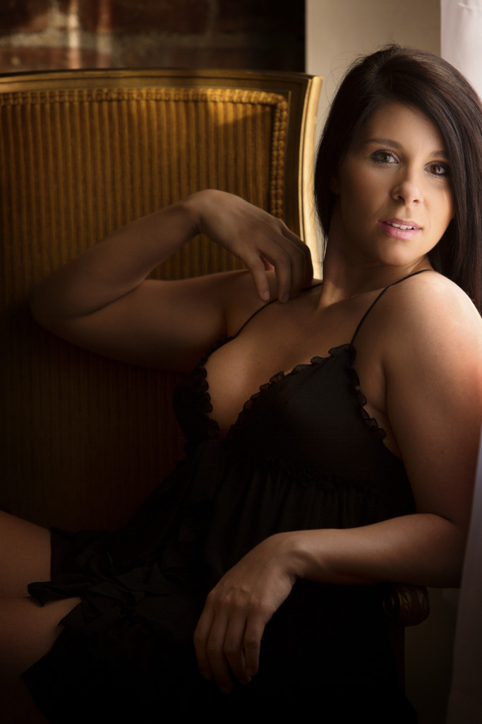 Livermore boudoir photographer classy Rossetti Photogrpahy