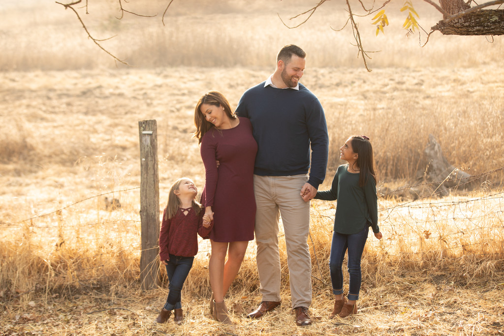 Pleasanton Photographer Who specialize in Family's