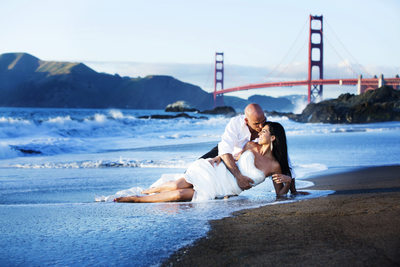 San Francisco Baker Beach Trash the Dress session Weddin g