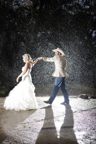 Union Hill Weddings, Dancing in the Rain Sonora California