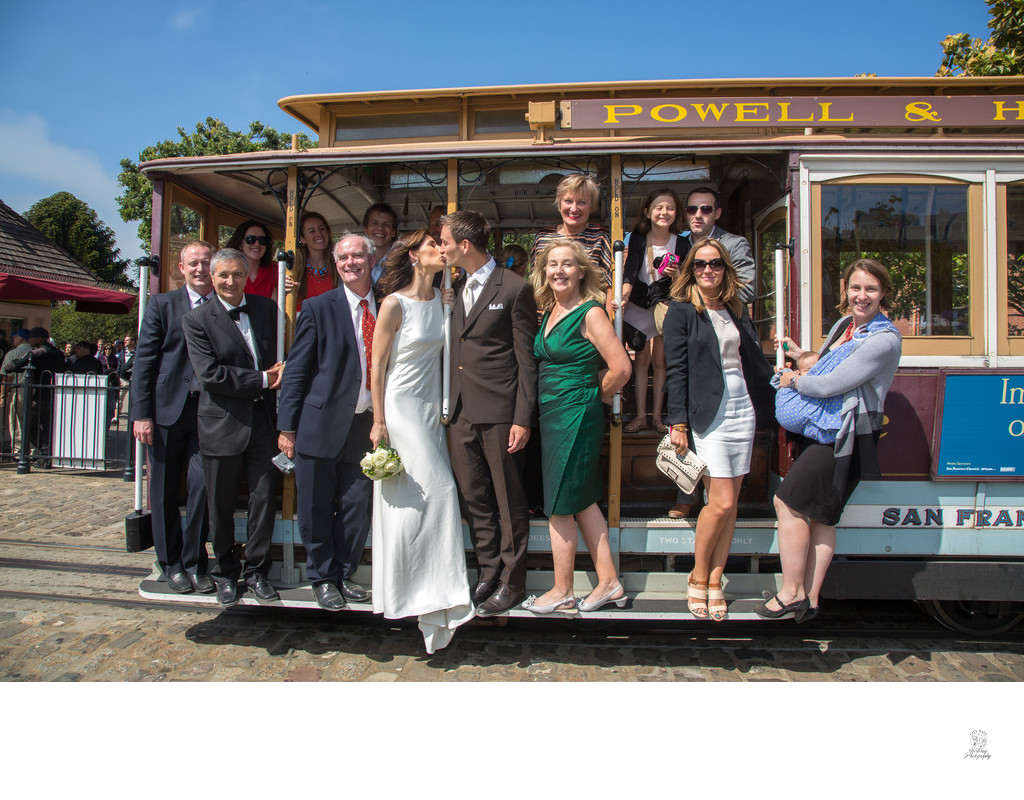 Trolley-car photo tour after city hall wedding