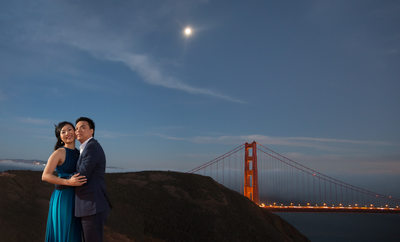 Moonlit night asian pre wedding photo golden gate bridg