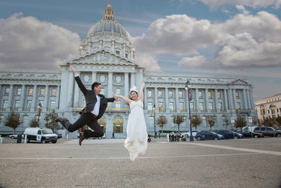 Celebrating-after-getting-married-sf-city-hall