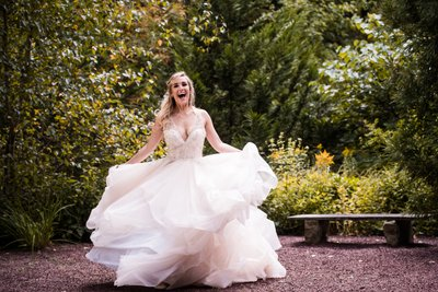 Dynamic Bridal Portraits at Holly Hedge Estate