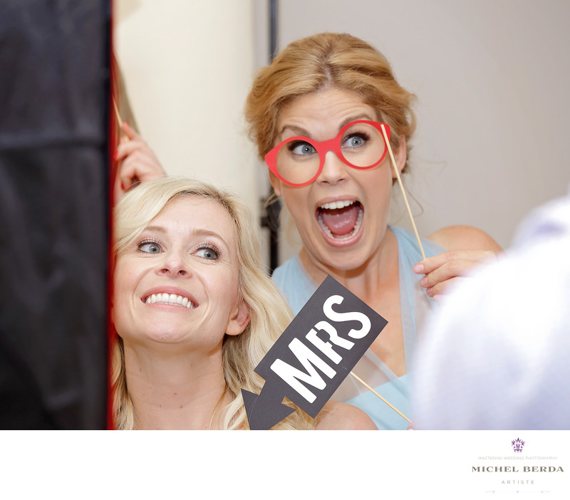 Bride and bridemaid photo booth at Palmetto Hall Wild Dunes Resort