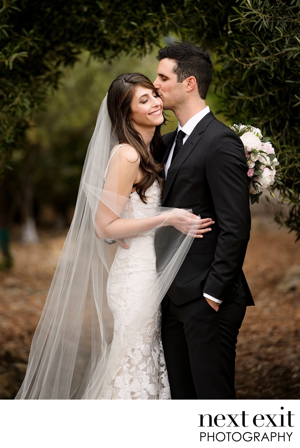 Stunning Bride with Veil - Los Angeles Wedding, Mitzvah & Portrait Photographer - Next Exit Photography