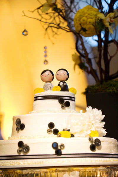 Wedding Details - Cute Cake Topper