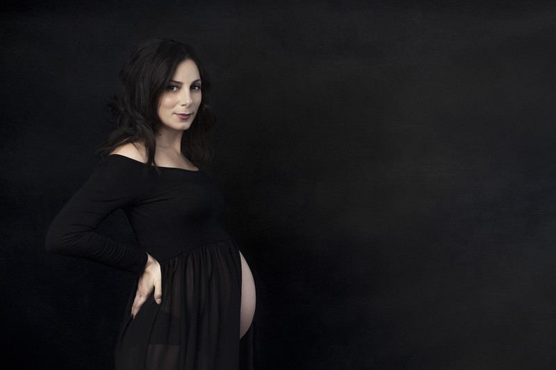 Maternity Photography with black dress profile