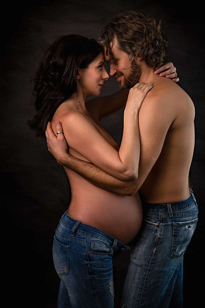 Couples maternity portrait Charlottesville Virginia