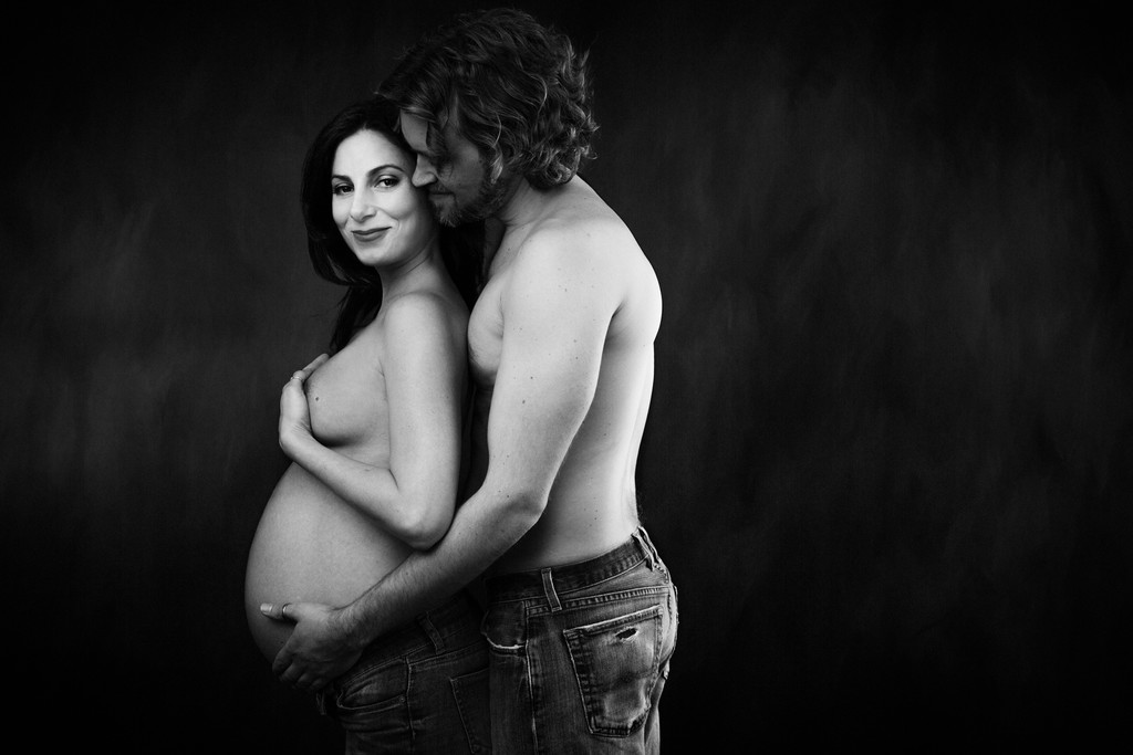 Maternity Couples portrait in black and white