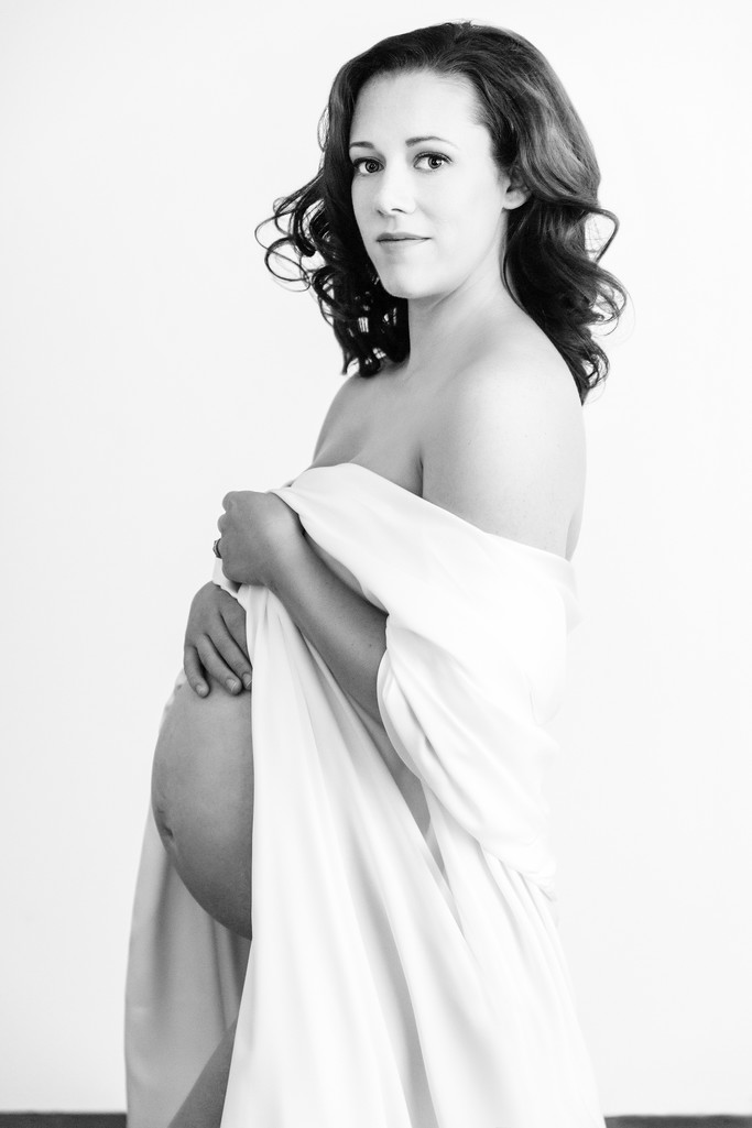 Black and White maternity Portraits, Charlottesville
