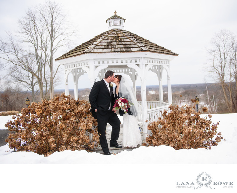 winter wedding at Wind Watch Golf and Country