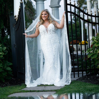 Bride with Gates at Giorgios  in Baiting Hollow with reflection