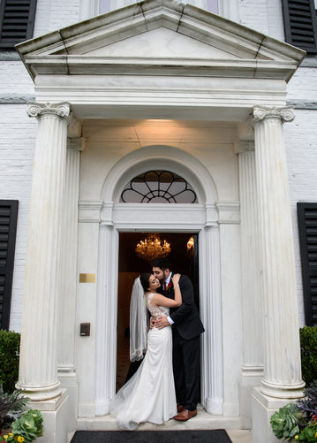 Romantic wedding at Nissequogue Golf Club in Saint James, NY